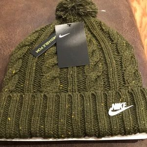 Nike Accessories - NWT Nike hat